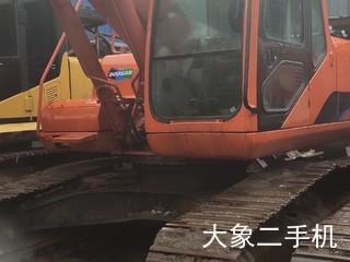 斗山DH220挖掘机