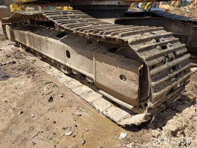 小松 PC240LC-8 挖掘机