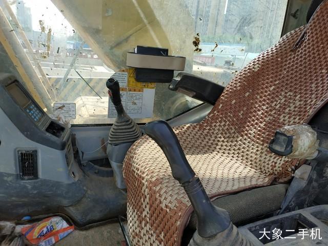 小松 PC220-7 挖掘机